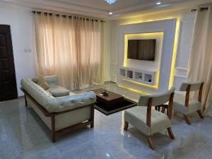 3 bedroom Flat / Apartment for shortlet Adeniyi Coker Ligali Ayorinde Victoria Island Lagos