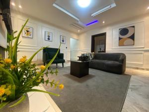 2 bedroom Mini flat for shortlet Freedom Way Lekki Phase 1 Lekki Lagos