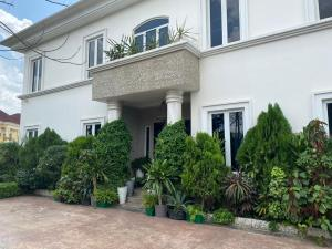 9 bedroom Detached Duplex House for sale Ikeja GRA Ikeja Lagos