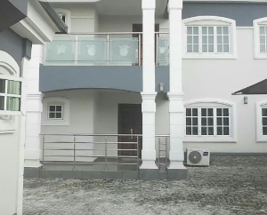 4 bedroom Detached Duplex House for sale Before Universal junction, Okhoro Oredo Edo