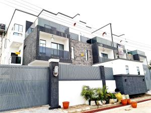 4 bedroom Semi Detached Duplex House for sale Orchid Road, Lekki Lekki Lagos