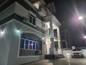 5 bedroom Detached Duplex for sale Close To Coza Guzape Abuja