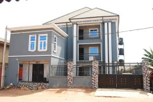 10 bedroom Self Contain Flat / Apartment for sale S & T Barracks Ovia South-East Edo