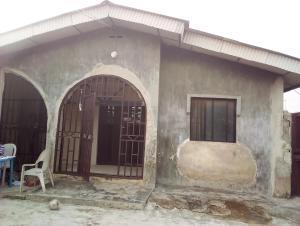 7 bedroom Detached Bungalow for sale Alhaji Akeem Str,off Macaulay Igbogbo Ikorodu Lagos