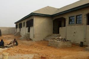 5 bedroom Self Contain Flat / Apartment for sale Kayode Street Area 5 Along GZI industry Agbara Agbara-Igbesa Ogun