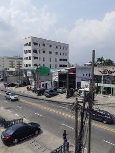 3 bedroom Blocks of Flats House for rent Awolowo Way Awolowo Road Ikoyi Lagos
