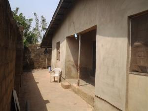 3 bedroom Flat / Apartment for sale   Alhaji Ayodeji Street, Ajia Zone 4, Wakajaye, Ibadan Egbeda Oyo
