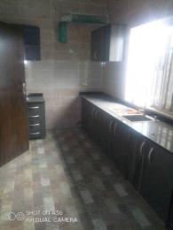 3 bedroom Blocks of Flats House for rent Iponri Surulere Lagos