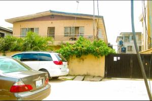 3 bedroom Blocks of Flats House for sale s Anthony Village Maryland Lagos