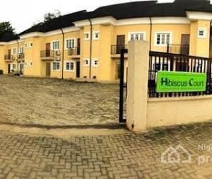3 bedroom Terraced Duplex for sale Hibiscus Court Jibowu Yaba Lagos