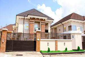 Detached Duplex House for sale VICTORY ESTATE, THOMAS ESTATE, AJAH. Thomas estate Ajah Lagos