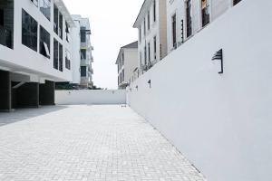 4 bedroom Terraced Duplex House for sale ONIKOYI ESTATE LAGOS Banana Island Ikoyi Lagos