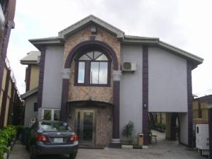 Self Contain for sale Surulere Lagos