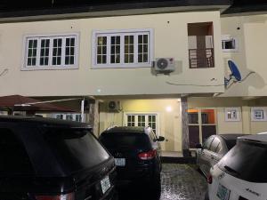 3 bedroom Terraced Duplex for sale chevron Lekki Lagos