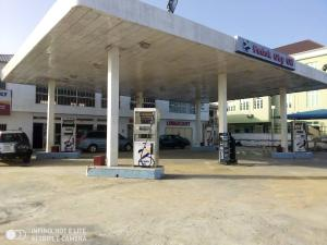 Commercial Property for sale FOR SALE:FEDOK OBY OIL, ALONG LEKKI EPE EXPRESS WAY,BY AWOYAYA ON 4 PLOTS OF LAND, WITH 8 PUMPS DOUBLE NOSSLES ,CAR WASH,LUBE, A STORY BUILDING FOR OFFICE, AND MINI MART, PRICE 600MILLION ASKING Lekki Lagos