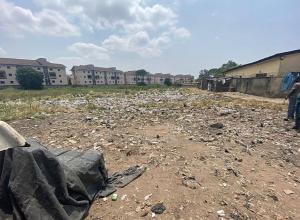 Land for sale Adekunle Yaba Lagos