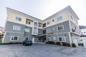 3 bedroom Flat / Apartment for shortlet Palace Road ONIRU Victoria Island Lagos
