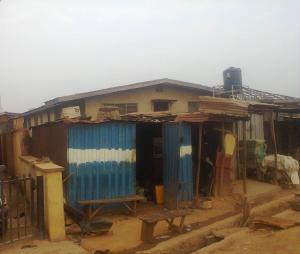 4 bedroom Flat / Apartment for sale NEW MARKET AREA Iwo Rd Ibadan Oyo