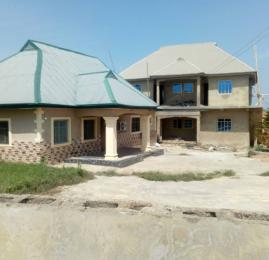 2 bedroom Self Contain Flat / Apartment for sale Ede, Osun State 7 min drive from Owode-Ede junction ( barely 15 min drive from Osun state Secretariat) Ede South Osun