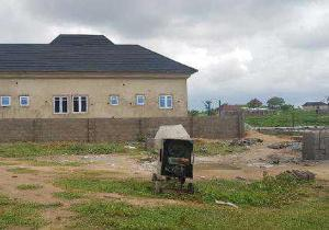 4 bedroom Detached Bungalow House for sale Ede, Osun State 7 min drive from Owode-Ede junction ( barely 15 min drive from Osun state Secretariat) Ede North Osun