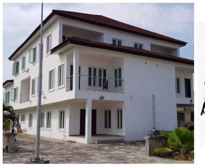 6 bedroom Detached Duplex House for rent In an estate off orchid hotel road Lekki Lagos