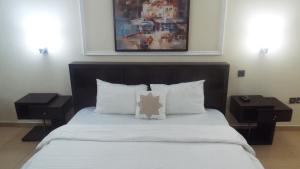 1 bedroom mini flat  Mini flat Flat / Apartment for shortlet Esther Adeleke Street,Off Admiralty way  Lekki Phase 1 Lekki Lagos
