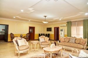 4 bedroom Penthouse Flat / Apartment for sale Off oniru palace road ONIRU Victoria Island Lagos
