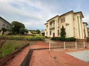 7 bedroom Detached Duplex for sale 7th Avenue Gwarinpa Abuja