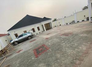House for sale Adejumo, Elenusonso Road, Off Nihort Jericho Ibadan Oyo