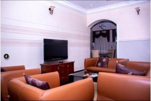 3 bedroom Mini flat Flat / Apartment for rent d Wuye Abuja