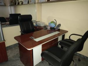 1 bedroom Office Space for shortlet The Kings Plaza, Opp. Naf Conference Centre Kado Abuja