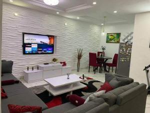 2 bedroom Blocks of Flats House for rent Off Admiralty Way. Lekki Phase 1 Lekki Lagos