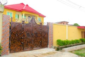 3 bedroom Shared Apartment Flat / Apartment for shortlet 11, Olubunmi Johnson, Fagbile Estate Ijegun Ikotun/Igando Lagos