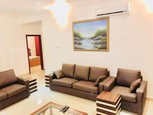 3 bedroom Mini flat Flat / Apartment for shortlet Cromwell Estate chevron Lekki Lagos