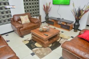 3 bedroom Terraced Duplex House for shortlet Abiodun Olusola Street Magodo GRA Phase 2 Kosofe/Ikosi Lagos