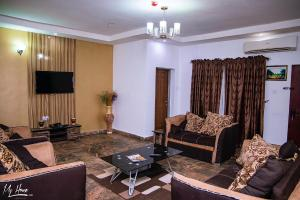 3 bedroom Mini flat Flat / Apartment for shortlet Alibaba crescent Jabi Abuja
