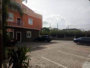 Flat / Apartment for rent  Lekki right off kuboye by oniru new market ONIRU Victoria Island Lagos