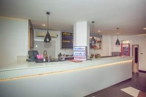 10 bedroom Hotel/Guest House Commercial Property for sale Ajose Adeogun Ahmadu Bello Way Victoria Island Lagos