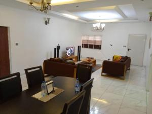 3 bedroom Flat / Apartment for shortlet Lekki right  Ikate Lekki Lagos