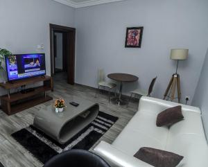 2 bedroom Mini flat Flat / Apartment for rent Off studio 24, Lekki phase 1  Lekki Phase 1 Lekki Lagos