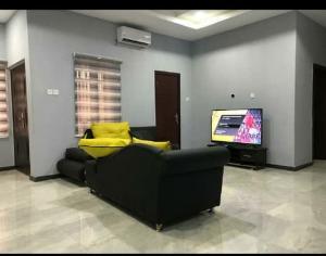 2 bedroom House for shortlet Kolapo Ishola Gra Akobo Ibadan Oyo