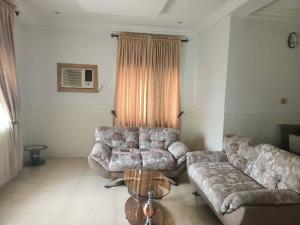 2 bedroom Blocks of Flats House for rent Onireke Jericho Ibadan Oyo
