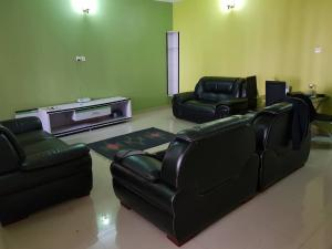 3 bedroom Flat / Apartment for rent Airport Road(Ikeja) Ikeja Lagos