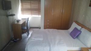 1 bedroom mini flat  Studio Apartment Flat / Apartment for rent Awolowo Road Ikoyi Lagos