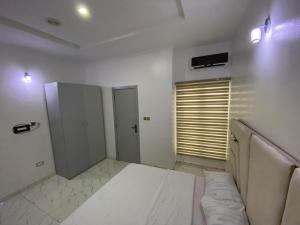 1 bedroom mini flat  Shared Apartment Flat / Apartment for rent Van Daniels Estate Off Orchid Road Ikota Lekki Lagos
