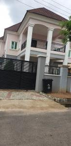3 bedroom Detached Duplex House for shortlet Fynestone Estate Gwarinpa Abuja