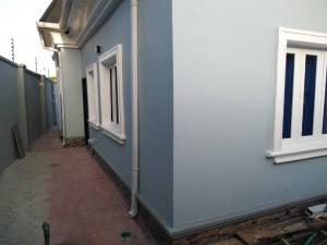 3 bedroom House for sale Igando road  (close to Isheri round about) Lagos    Egbeda Alimosho Lagos