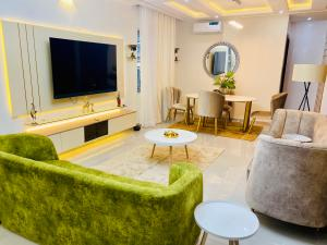 3 bedroom Self Contain for shortlet Lekki Phase 1 Lekki Lagos