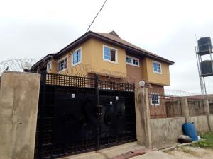 3 bedroom Studio Apartment Flat / Apartment for rent Alakia old ife road  Alakia Ibadan Oyo