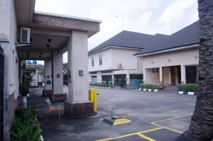 10 bedroom Hotel/Guest House Commercial Property for sale GRA IKEJA  Ikeja GRA Ikeja Lagos